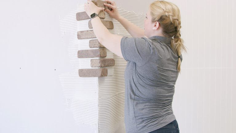 How to Install Brickwebb  Corners